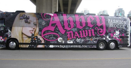 http://avrillavigne.bloggergirl.com/graphics/avril-tour-bus.jpg