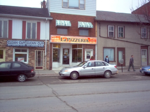 La Pizzeria in Napanee